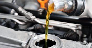 Какое масло лучше заливать в двигатель автомобиля