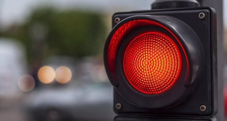 Правила и штраф за проезд на красный свет в 2018 году