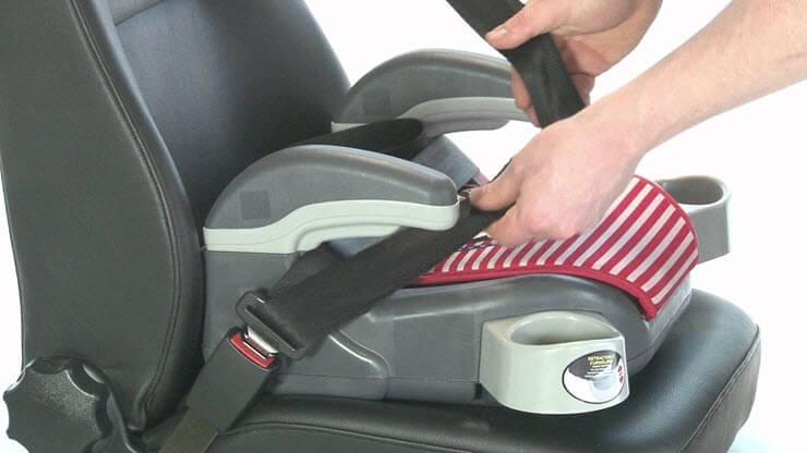 бустер для детей в машину правила
