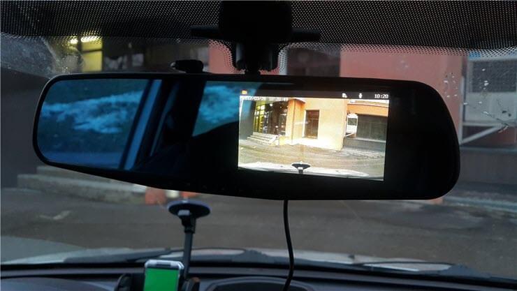 Зеркало заднего вида с камерой заднего вида: как выбрать, в чем преимущества
