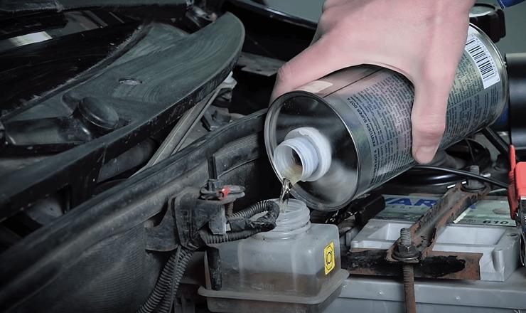 Тормозная жидкость: какая бывает и как выбрать