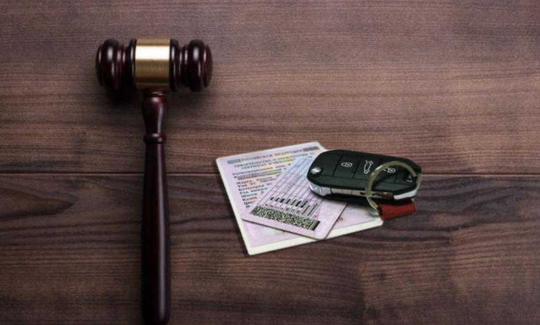 Как изымают водительское удостоверение у пьяного водителя